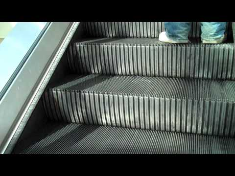 Salem, NH.: Montgomery Mall Escalators (Macy