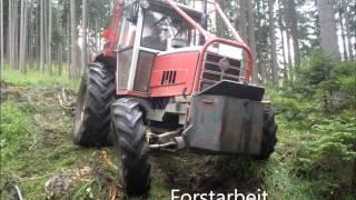 Traktoren bei der Arbeit