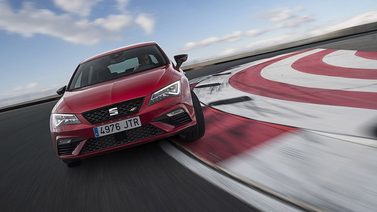 2017 seat leon cupra 300 review autocar - Seat Leon Cupra 300 2017 Review Power Boost For Seat S Golf Gti Rival