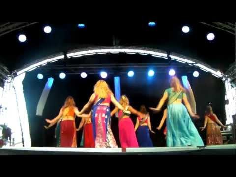 Madhuri's famous Humko aaj kal hai song Sailaab danced by Bollywood Showgirls Sweden
