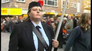 tweede wereld oorlog na 65 jaar street parade  deel 5 29 okt 2009 met de laatste veteranen.avi