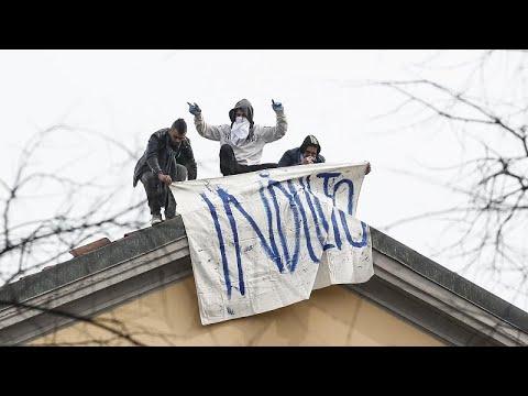 İtalya'da Covid-19 tedbirlerine karşı cezaevinde isyan çıktı: 6 mahkum öldü
