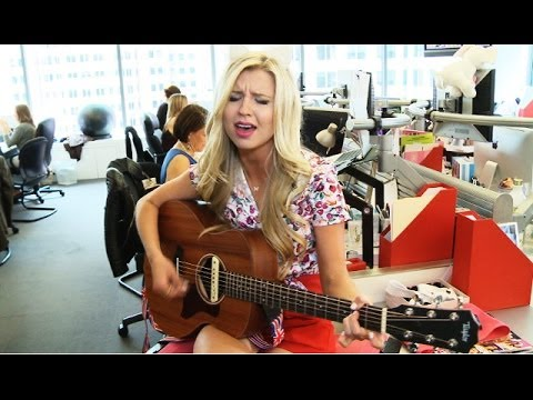 Tiffany Houghton 'Island' Live Acoustic Debut