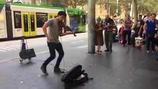 СКРИПАЧ ОТ БОГА ► Уличный Музыкант Заставил Всю Улицу Слушать