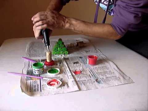 07 arbol de navidad con corchos youtube - Arbol tipico de navidad ...