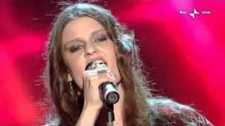 Irene Fornaciari e i Nomadi   Il mondo piange   Sanremo 2010