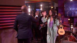 Karsu swingt de pan uit met 'Angel' - RTL LATE NIGHT