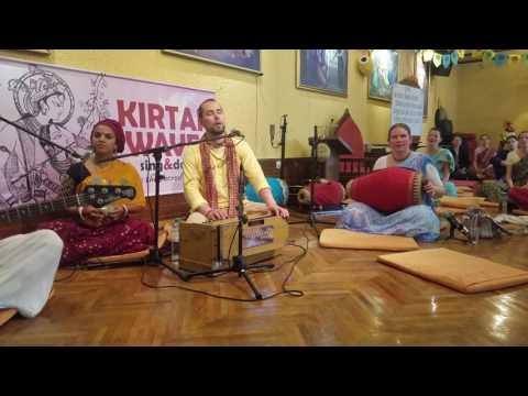 Hari Kirtan Kaufmann & Vrindavaneshvari (Day 1) – Holy Name Festival Slovenia 2017
