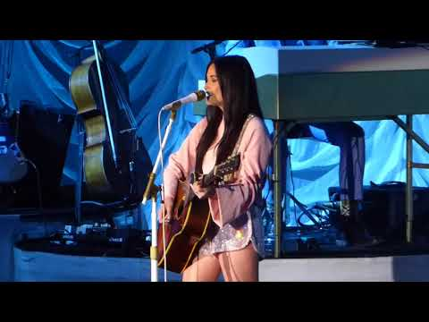 Kacey Musgraves  - Follow your Arrow 5/4/18 St. Augustine, FL