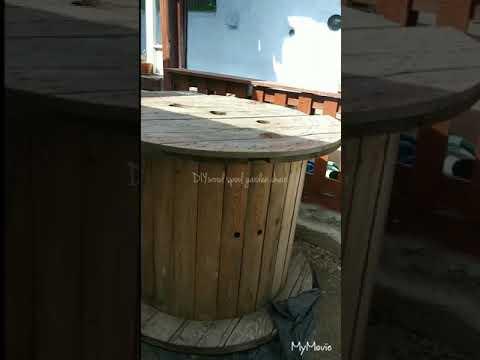 DIY wood spool garden chair.