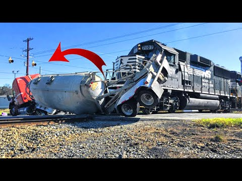 Top 10 Dangerous Trains Crashing & Cargo Helicopter Fails Compilation ! 2021