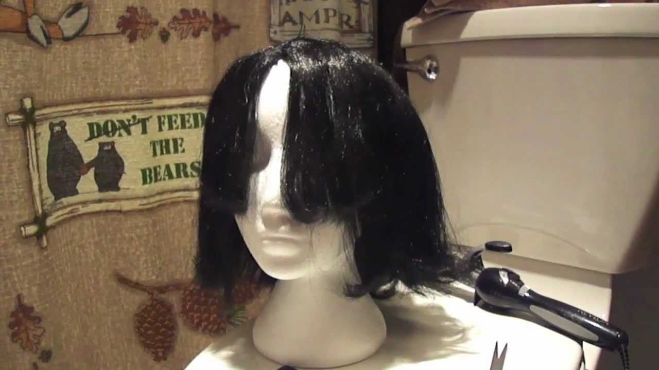 How to Style Cheap Halloween Wigs - YouTube 992ccaea7e1f
