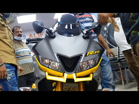 Fashionable Yamaha R15- 155cc (Version 3)-Attractive Modification
