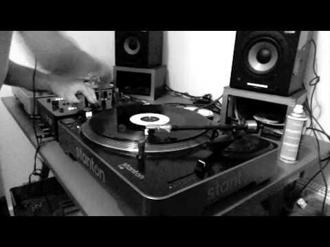 Josh's Room 002 - Jiinx