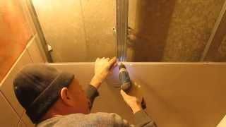 Пластиковый потолок в ванной комнате в доме из монолита(Видео отчет о том, как установить потолок в ванной комнате. Используется два профиля - направляющий и потол..., 2015-03-18T06:11:38.000Z)