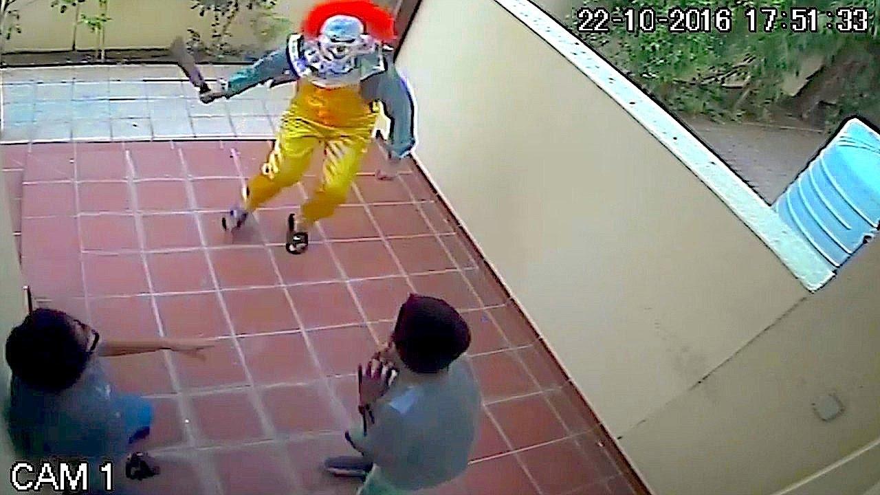 Killer Clown Prank Caught On Cctv Vloggest