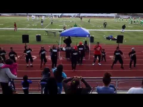 ETURNUL  JUNKYARD DANCE CREW at Hornets v Hawks Halftime Show  Lincoln High School  02 28 2015