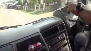 Cara mengendari Mobil truck besar dijalan raya dan tanjakan.