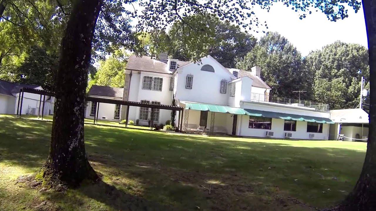 Graceland Photos Tour