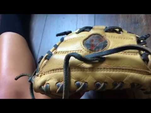 How To Tighten Laces And Catchers Mittcondition Youtube