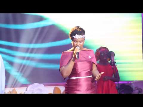 Akosua Kyerematen sings TOTAL PRAISE (Live ) at Victory Service Reloaded