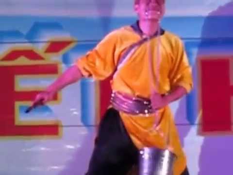 Vua xiếc Việt Nam Hoàng Tân part 4 (Vietnam Circus King Hoang Tan part 3