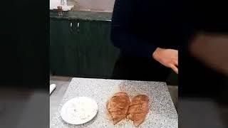 Филе куриное с сыром фета и ананасами.