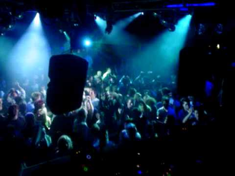 Public Domain LIVE @ Rise (Perth - Australia) playing 'Operation Blade'