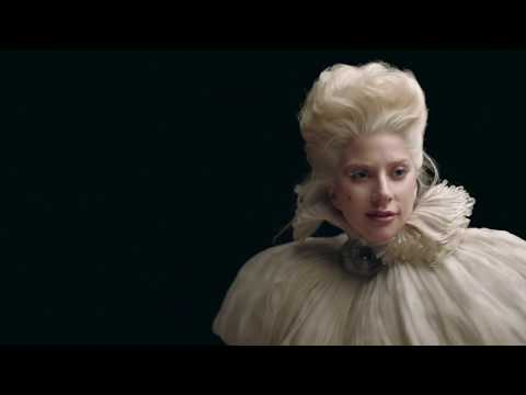 TUDORWATCH : Lady Gaga wears the Black Bay ••• LA CULTURE POP RÉINVENTÉE