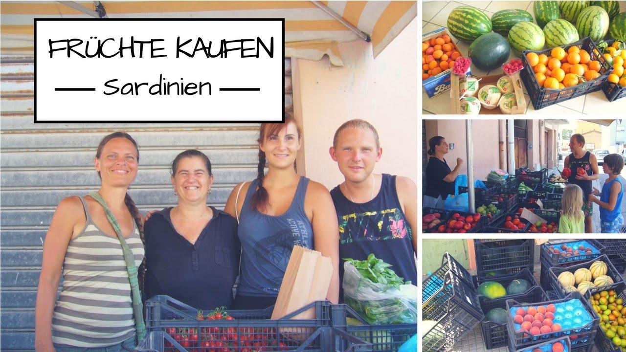 Früchte kaufen, barfuß laufen, Wolken, Zebrastreifen und Hocktoilette auf Sardinien