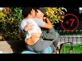 BESOS FACILES ♥ KISSING PRANK - Besando a chica desconocida y SEXY con el Truco de la Botella