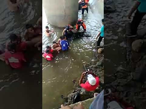 Seorang pelajar smp tewas tenggelam waktu mau mandi di sungai krung aceh