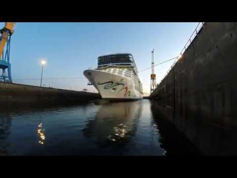 Arrival of Norwegian Epic at Damen Shiprepair Brest