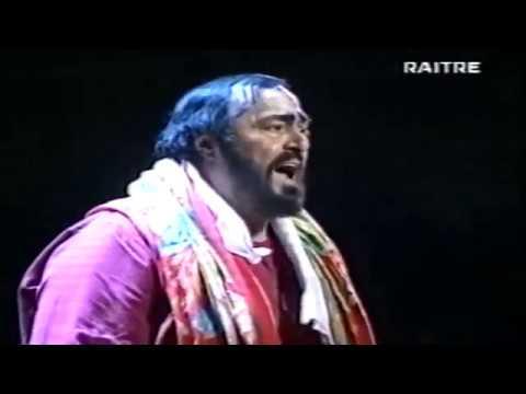 Luciano Pavarotti - Rehearsal Tosca 2000