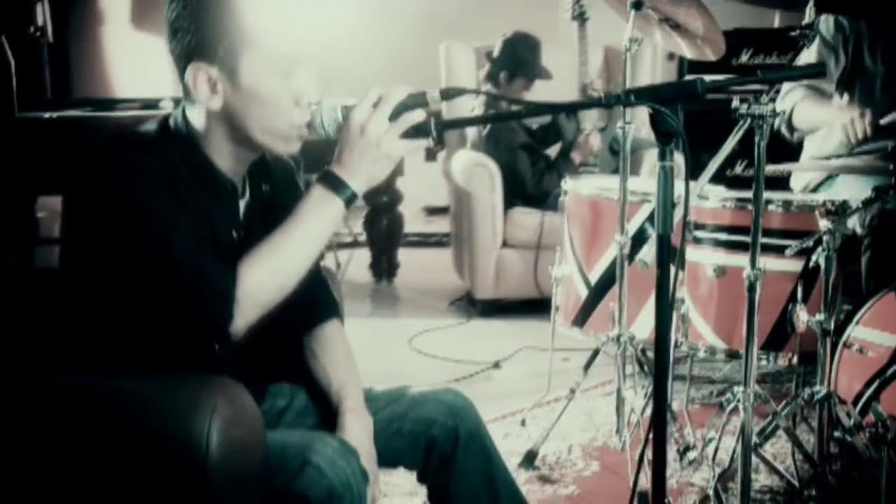 Download Asbak Band - Membuatmu Cinta Padaku (Official Music Video)