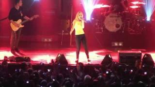 Paramore in Philaldelphia- Full (1hr 11min) Concert Remastered (720p HD) Live on 10-17-2009