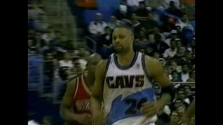 Chris Mills (25pts) vs. 76ers (1997)