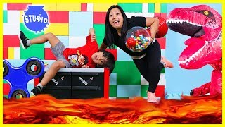Baixar The Floor is Lava with Ryan ToysReview and Giant T-Rex + Fidget Spinners, Bottle Flip, Mannequin!