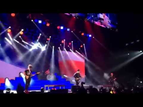Fall Out Boy - Fourth Of July Live (First Ever) Scranton, PA