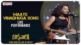 Maate Vinadhuga Song Live Performance @ Taxiwaala Pre-Release EVENT Live || Vijay Deverakonda
