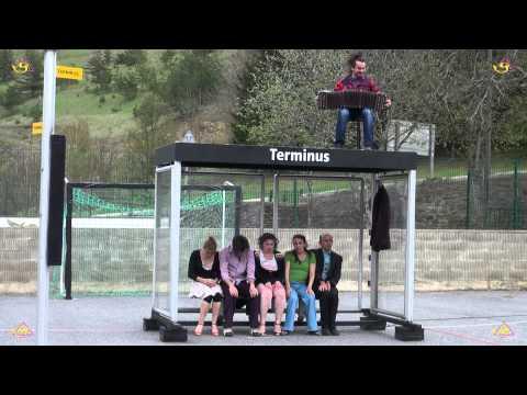 La Mer Dans Un Verre, théâtre dans la rue au Festi'Val D'Olt 2013