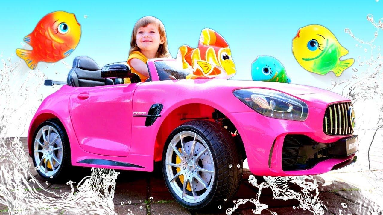 Бьянка купается с рыбками - Детские песни - Сборник для детей