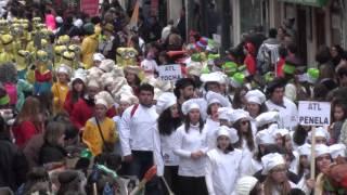 Desfile da Cáritas enche de cor a Baixa de Coimbra