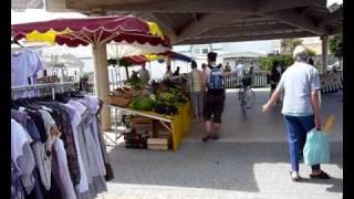 Le marché de sainte marie de ré sur l'île de ré
