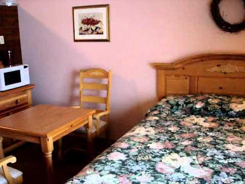 Riverside Motel - Hayward, Wisconsin - Waterfront Studio Room
