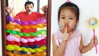 Van Play with Funny Balloons, Block the Door with Spiral Balloons Fun for Kids, BaBiBum