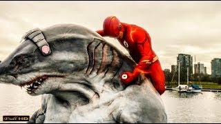 Флэш возвращает Королю Акул человеческий облик