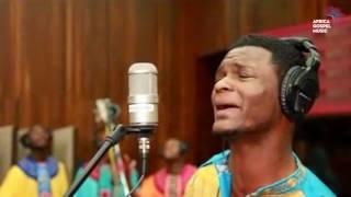 Joe Praize feat. Soweto Gospel Choir - Mighty God [Africa Gospel Music]