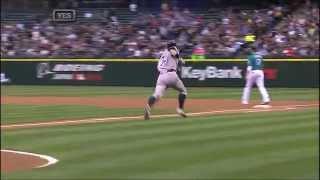 NYY@SEA: Ichiro singles in his first Yankees' at-bat.