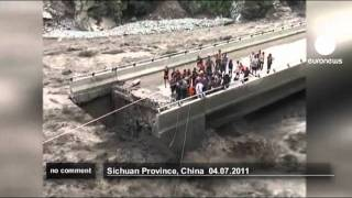 Daring Chinese flood rescue - no comment thumbnail